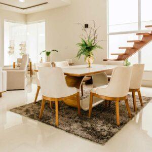 salotto e sala da pranzo pulita e luminosa
